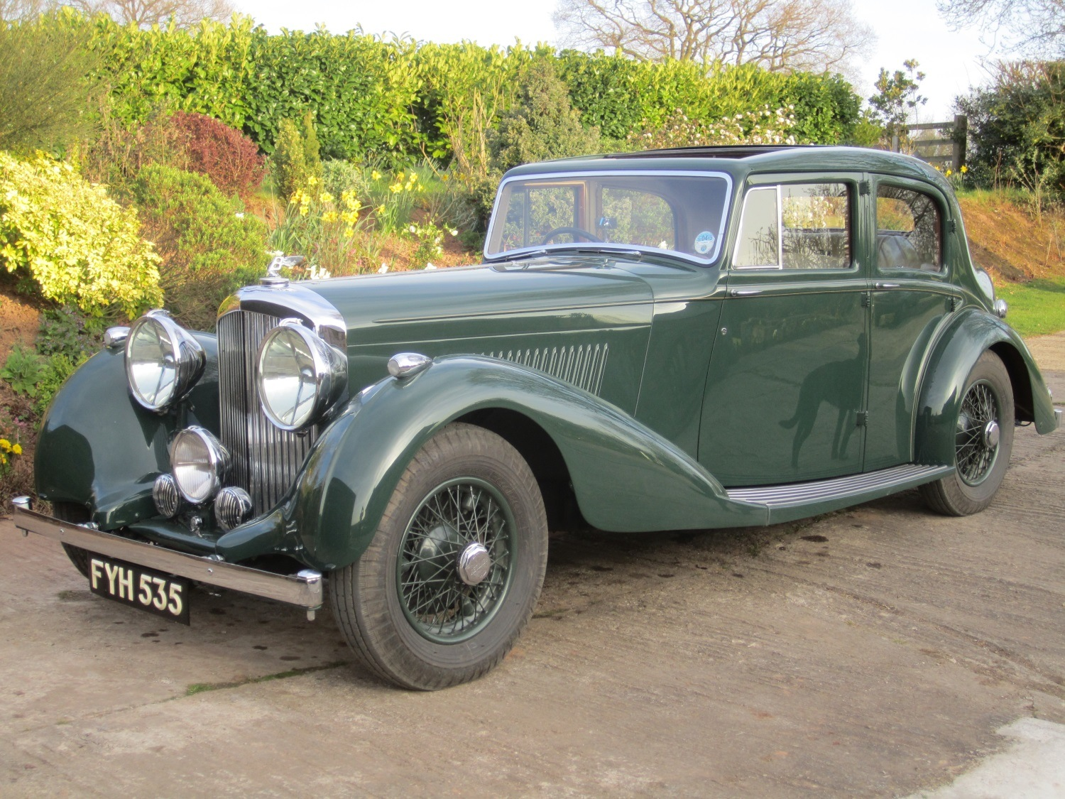 bentley-derby-saloon